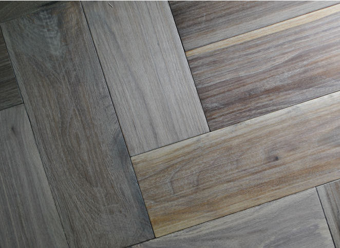 Walnut Herringbone 14m2