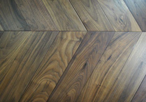 Walnut Chevron 20.20m2